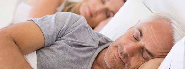 Czy można spać w protezie zębowej?